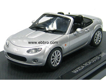 Mazda MX5 Mk3 Roadster 1:43 Scale Model, Sunlight Silver